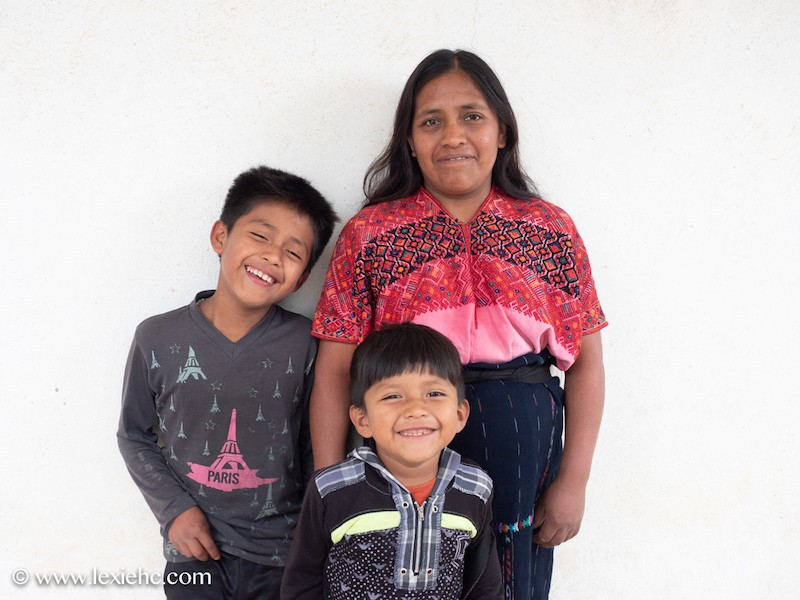 Photo of Guatemalan family
